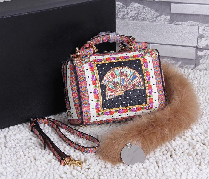 Здесь можно купить  Guangzhou handbag factory direct European Fashion Handbag Shoulder Messenger Bag small portable bag  Камера и Сумки