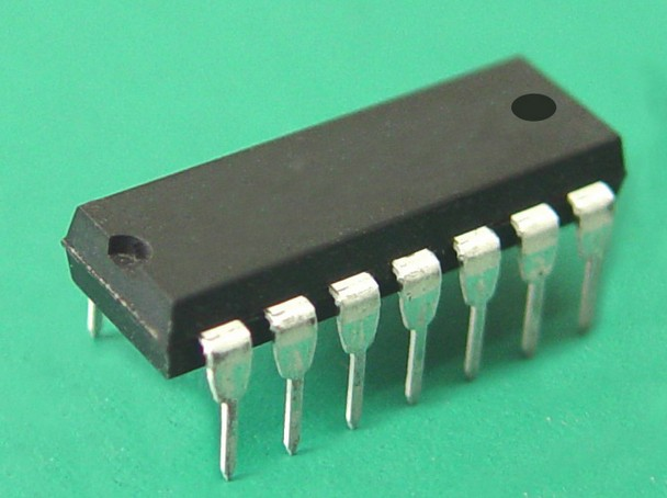 Free shipping / Ad621an ad621bn , low amplifier instrument ic pin dip . Electronic Component . IC(China (Mainland))