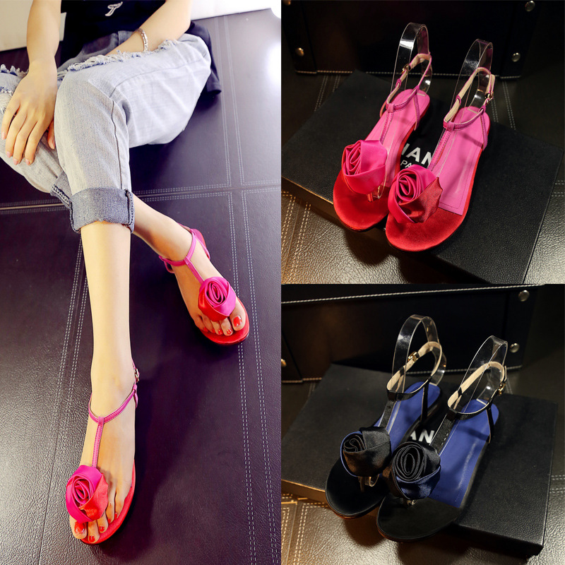 New Women Slippers Summer 2016 Ladies Rubber Beach Sandals Buckle Strap Classics Fashion Simple Women Flat Sandals with Flower(China (Mainland))