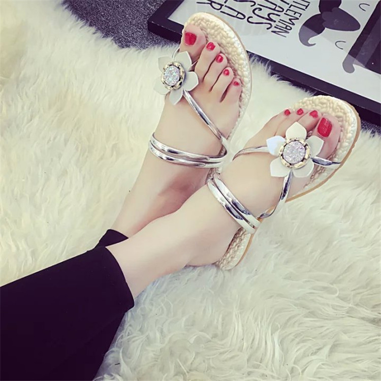 Brand vintage pu Soft Patent Leather Women Flats 8 color Sandals Loafers Slippers Shoes For Women White black Flip Flops(China (Mainland))