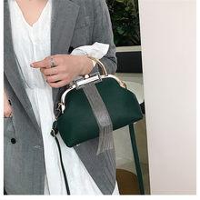 NIGEDU Projeto Mulheres bolsa Da Marca de Luxo Da Cadeia de Borla feminino Ombro Sacos pequeno Clipe shell Messenger Bags para Senhoras preto vermelho(China)