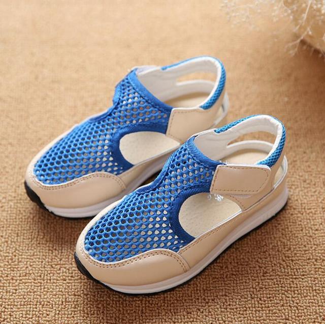 2016 вырез сетки дышащие половиной детские сандалии конфеты цвет отверстие дети обувь ...