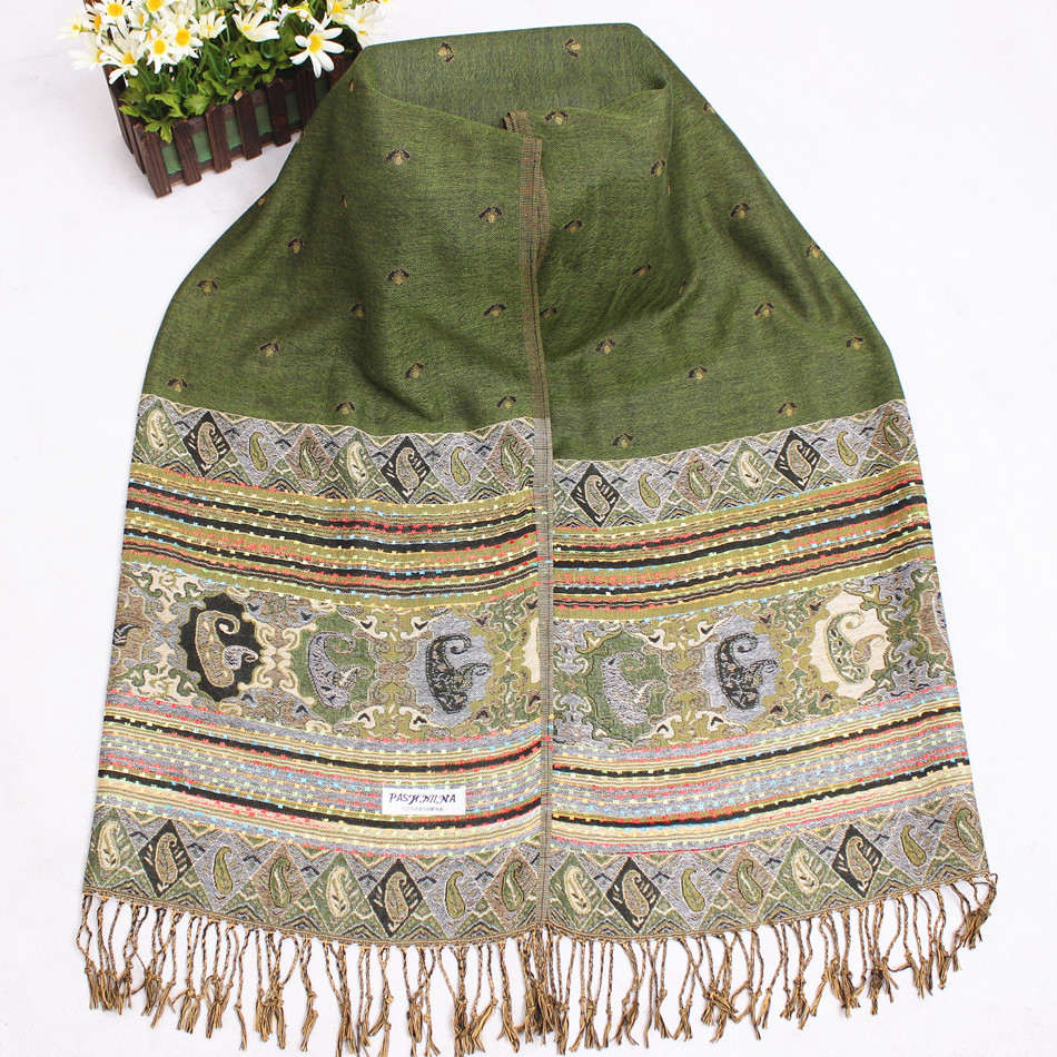 Russian wraps sale section of our store is an excellent way to buy wrap with discount. Shawls for your perfect look Even in cold season the woman wants to stay beautiful, elegant and stylish.