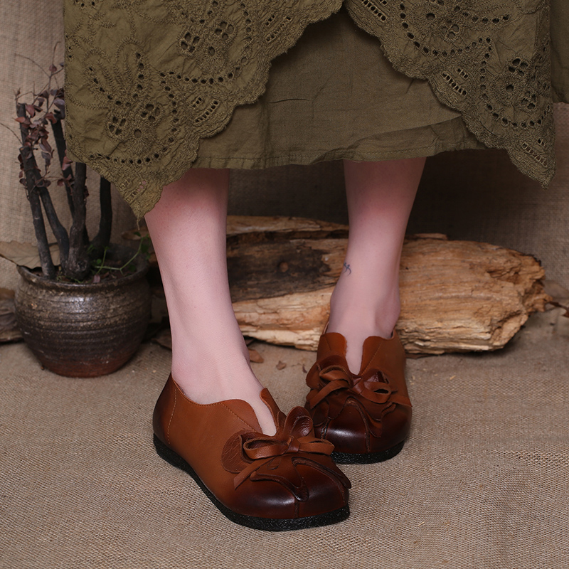 2016  Handmade ShoesWomen Flats Round Toes Flower Decoration Genuine Leather Woman Casual Shoe Retro Style<br><br>Aliexpress