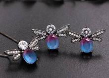 Trendy Nette Biene Schmuck Sets Für Frauen Multicolor Natur Stein Stud Ohrringe und Anhänger Halskette Honigbiene Mode Schmuck(China)