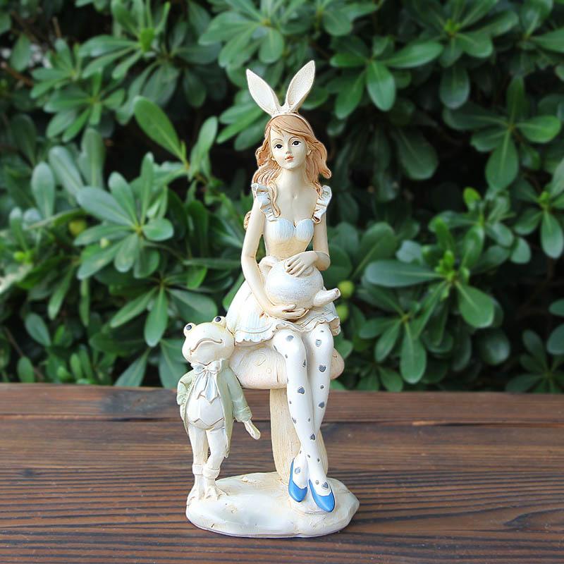 Creative Gifts, Fashion Decorative Ornaments,alice Ornaments, The Girl Decorate Ornaments, Garden Ornaments Decorative Vinyl(China (Mainland))