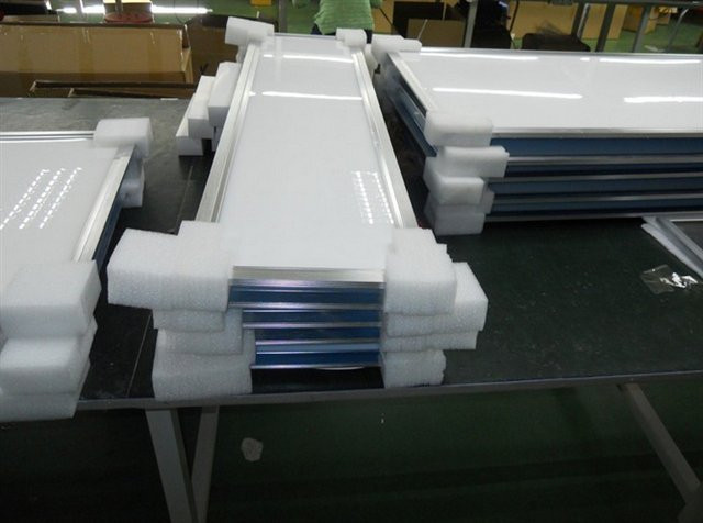 300x1200mm led panel packing