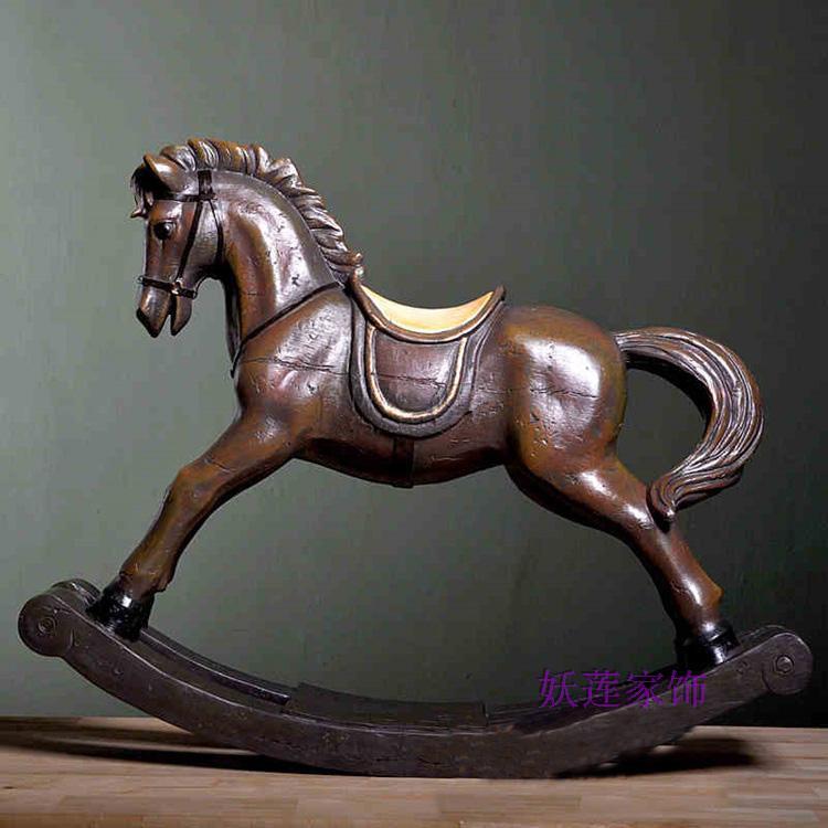 achetez en gros grand cheval bascule en bois en ligne des grossistes grand cheval bascule. Black Bedroom Furniture Sets. Home Design Ideas
