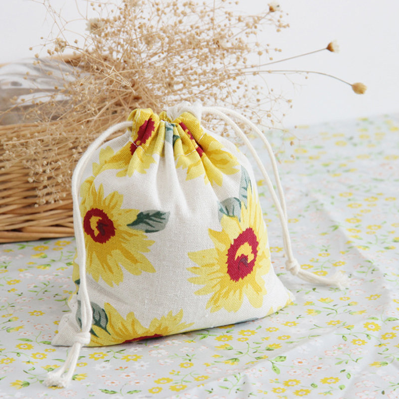 Vintage Daisy Cotton Storage Bag for Sundries / Retro Draw Cord Linen Small Bags for Girls as Gifts Free Shipping(China (Mainland))