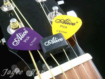 New A010C Guitar HeadStock Rubber Pick Holder with Free 5pcs Guitar Picks Free Shipping