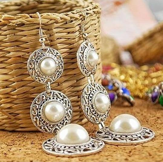 Гаджет  Fashion Hot Selling New Style Retro Noble WOmen 3 Circle White Simulated Pearl Earrings None Ювелирные изделия и часы