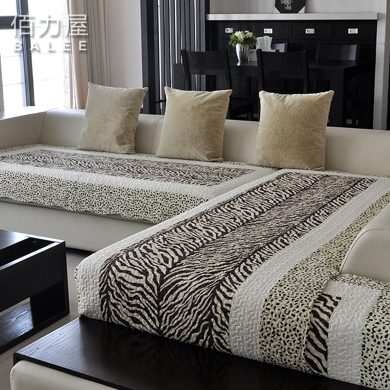 2014 promotion top fasion freeshipping leopard print fashion cotton quilting 100% leather sofa mat fabric cushion set towel(China (Mainland))