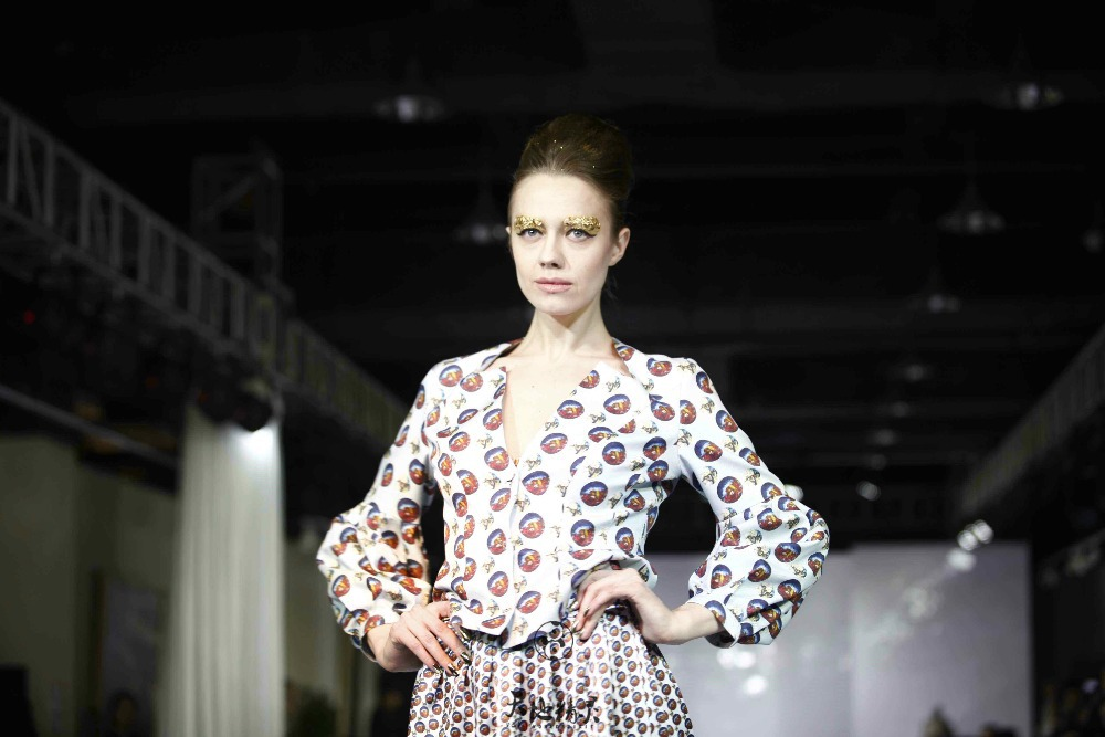 World Spirit Twill Spun Silk Brocade 2015 Custom Made Free Shipping Digital Printing Beading Stylish Original Art Chic Clothing(China (Mainland))