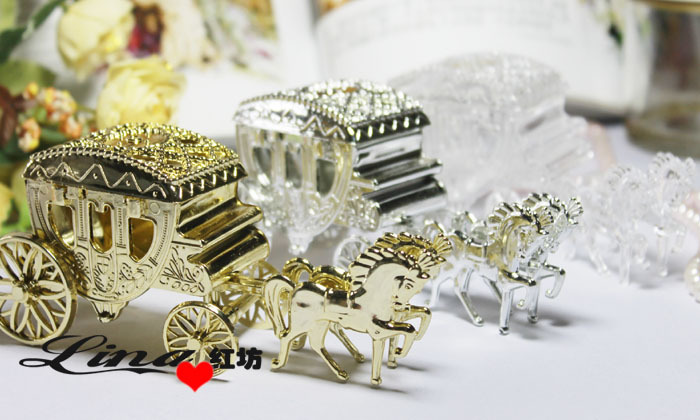 Free Shipping Hot Sale 20pcs Gold/White/Silver Haimens Candy Box Court Carriage Wedding Favor Box For Wedding Party Decoration(China (Mainland))