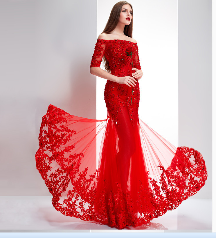 Robes de soirees rouges avec dentelle noire 2018