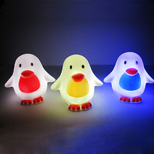 Dreamstar Penguin Rotocast Color-changing Night Light(China (Mainland))