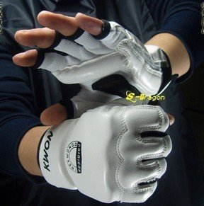Half finger fighting gloves  senior athletics glove  Boxing gloves Free Shipping