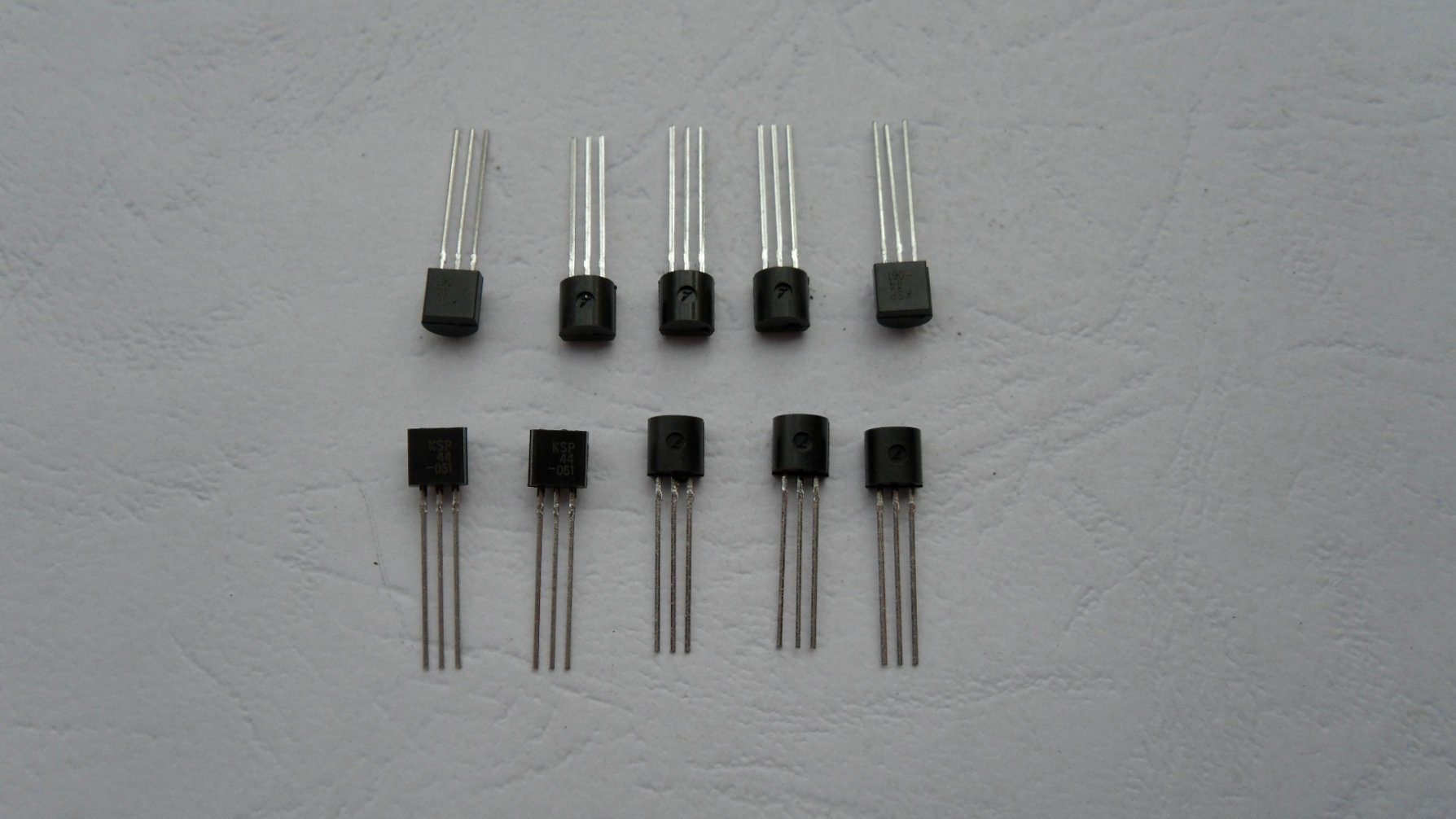 Электрооборудование A42 mpsA42 NPN TO92 120 ht7333 ht7333 a ht7333 1 to92