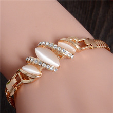 Free Shipping 1pc Gold Plated Cat Eye Stone Unique Bracelet Classic Cute Austrian crystal Womens Jewelry Bracelet(China (Mainland))