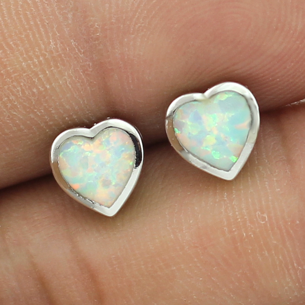 Free Gift Box 2016 New For Summer Small Cute Synthetic White Fire Opal Heart Shaped Women Stud Opal Earring Free Shipping(China (Mainland))