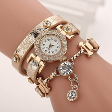 Fashion Casual Long Leather Strap watches Women Popular Jewelry Ethnic Style Surround the Wrist Quartz Watch Clock Golden HH1643