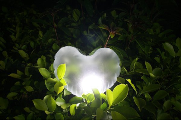 New Heart Shaped Inflatable solar LED lantern bag Emergency camping Lamp Travel Light easy to carry(China (Mainland))