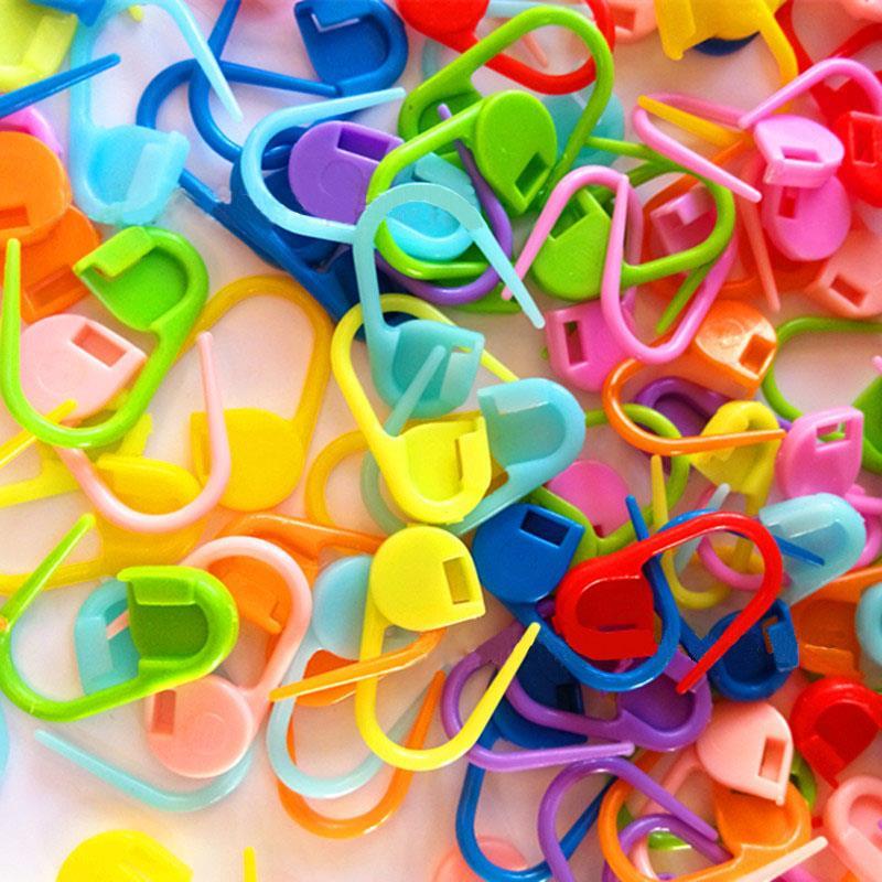 Hot sales Plastic Markers Holder Needle Clip Craft 50pcs Mini Knitting Crochet Locking Stitch(China (Mainland))