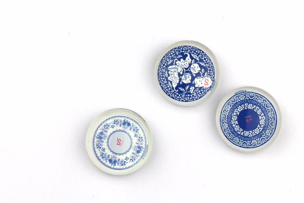 Chinese native style blue porcelain painting three-dimensional stickers 12pcs/lot free shipping creative crystal magnets(China (Mainland))