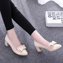 Spring elegant low heels shoes woman pumps fashion Sexy colorful pumps women shoes Patent leather single shoes size 33-43 XO040(China (Mainland))