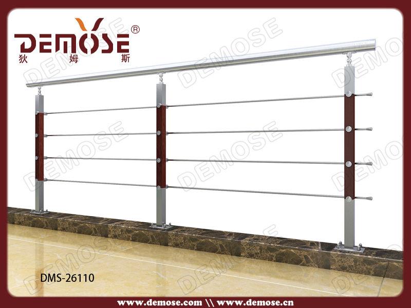 bois balustrades et mains courantes balcon conception de balustrade bois balcon balustrade. Black Bedroom Furniture Sets. Home Design Ideas