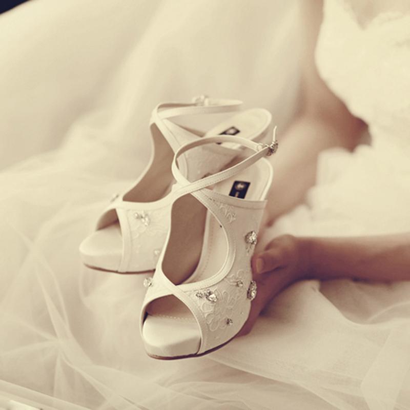 2015 white lace rhinestone platform peep toe bridal heels