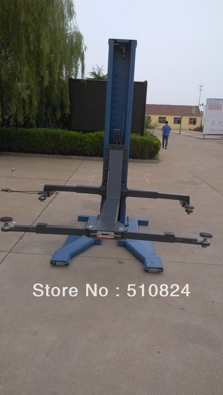 Four post car lift for sale used 10