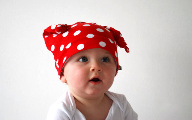 2013 free shipping White dots red knitted baby hat / children hat wizard JB006