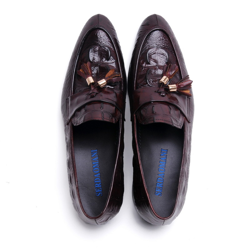 Фотография 2016 Latest Men Loafers Genuine Leather Gommin Driving Shoes Embossed Crocodile Pattern Tassel Round Toe EU38-44 Black/Red Color