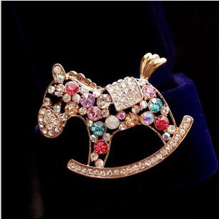 2014 Fashion delicate multicolor rhinestone hobbyhorse brooches women,Elegant gold plated horse brooch pins,BP09 - Jin Hua Qi Hong Jewelry Factory store