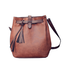 Hot Sale Women Shoulder Bag Vintage Tassel Cross Body Bag Large-capacity Bucket Bags High Quality PU Leather Handbags(China (Mainland))
