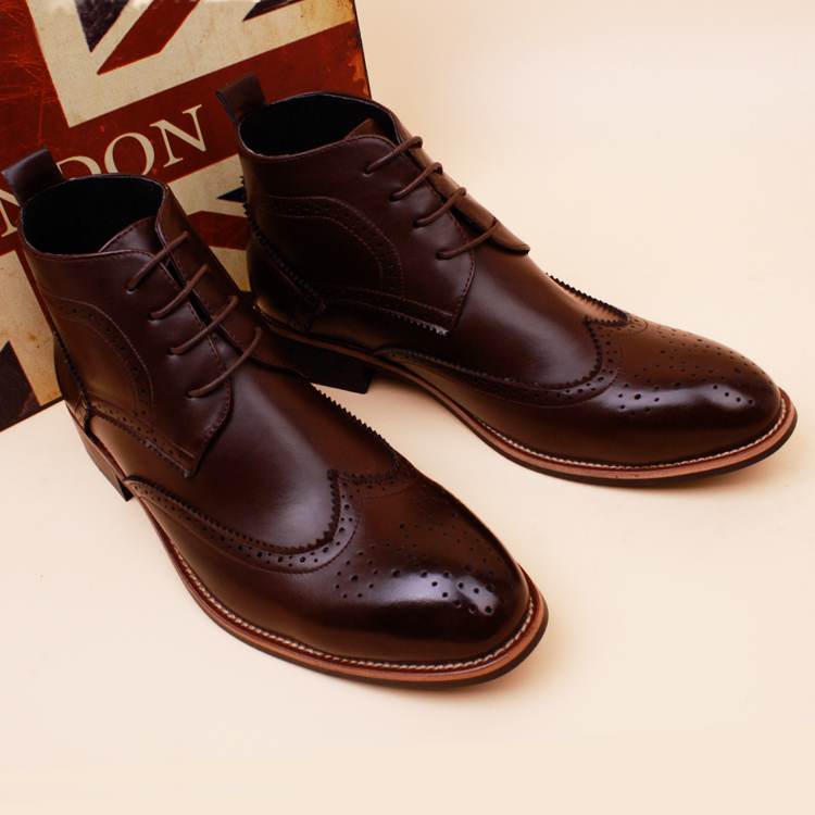 British mens winter boots in Korean pointed boots boots increased Martin Bullock boots.<br>