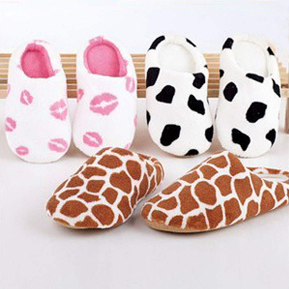 Гаджет  Autumn and winter milk cow red coral fleece lovers slippers at home cotton-padded floor slippers women and men