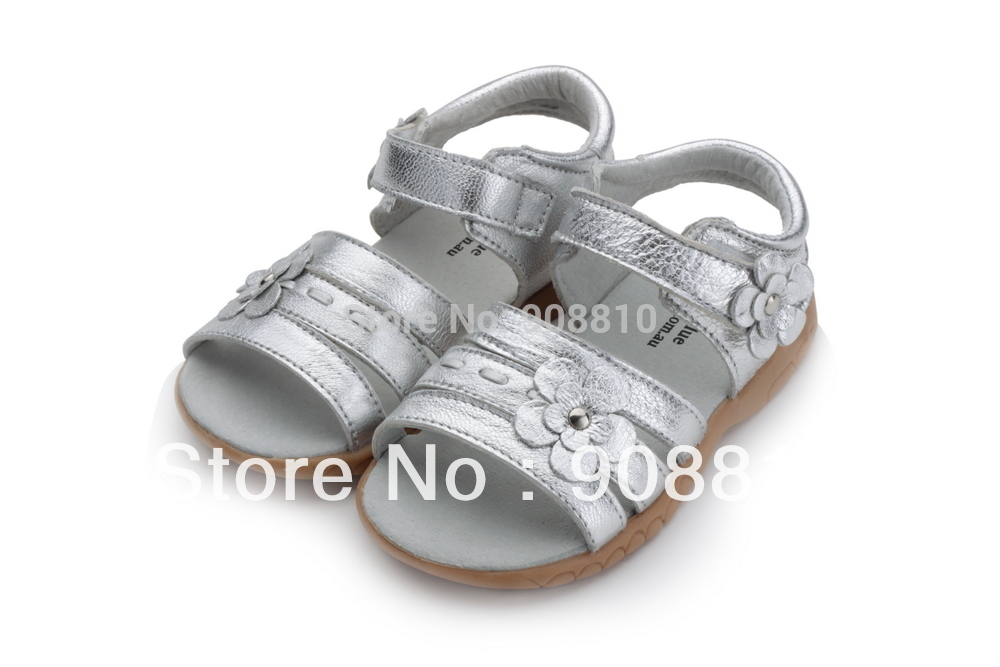 girls soft leather sandal velcro strap open toe with flowers silver for christenning wedding summer shoes ladies formal retail(China (Mainland))