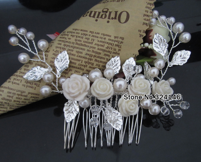 Handmade luxurious White Pearl flower Ladies hair combs Silver crystal Hair clips for Bride Wedding hair accessories wholesale