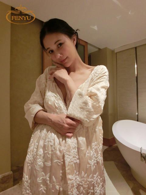 Бесплатная доставка зимой женская долго бархатной одежде бежевый и розовый пижамы ...