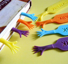 4pcs 'Help Me' Colorful Bookmarks set plastic novelty Item creative gift for kids chidren free shipping 631(China (Mainland))