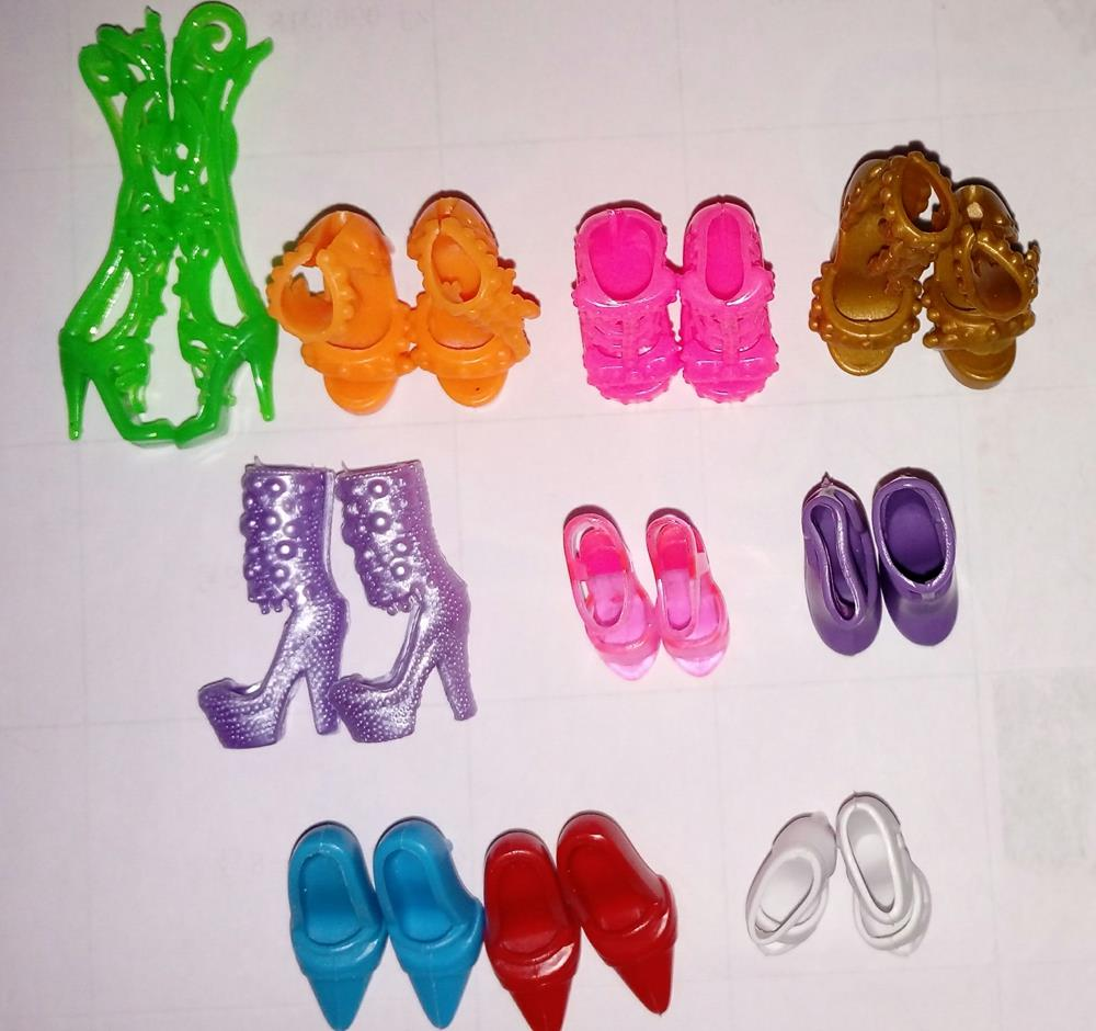 10pairs/lot Vogue Colourful Doll Equipment Sneakers Heels Sandals For Barbie Dolls Finest Present For Lady Child Toys Free Delivery