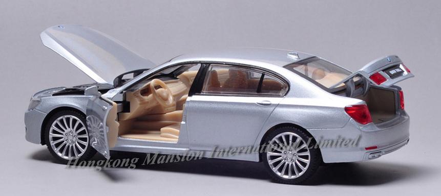 New 132 Car Model For BMW 760Li (17)