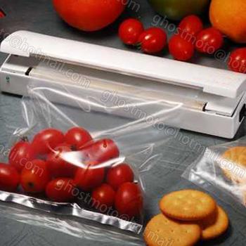 Mini Food Vacuum Sealer Save Portable Reseal Airtight Plastic Food Saver Storage Bag Keep food fresh Resealer Closer Machine(China (Mainland))