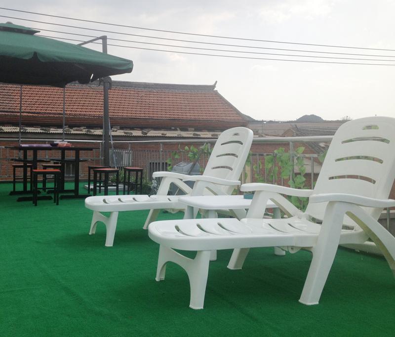 Online kopen wholesale plastic lounge stoel uit china for Goedkope kappersstoel