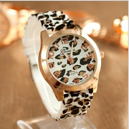Geneva Fashion Leopard Print Quartz Women Watches Casual Leopard Leather Dresses Watch Ladies Wristwatch Relogios Feminino(China (Mainland))