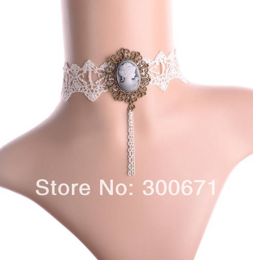 Free Shipping! wholesale Vintage Fashion Design White Lace Cameo Queen Choker Necklace, Vicotrian Evening Dress Jewelry ...(China (Mainland))