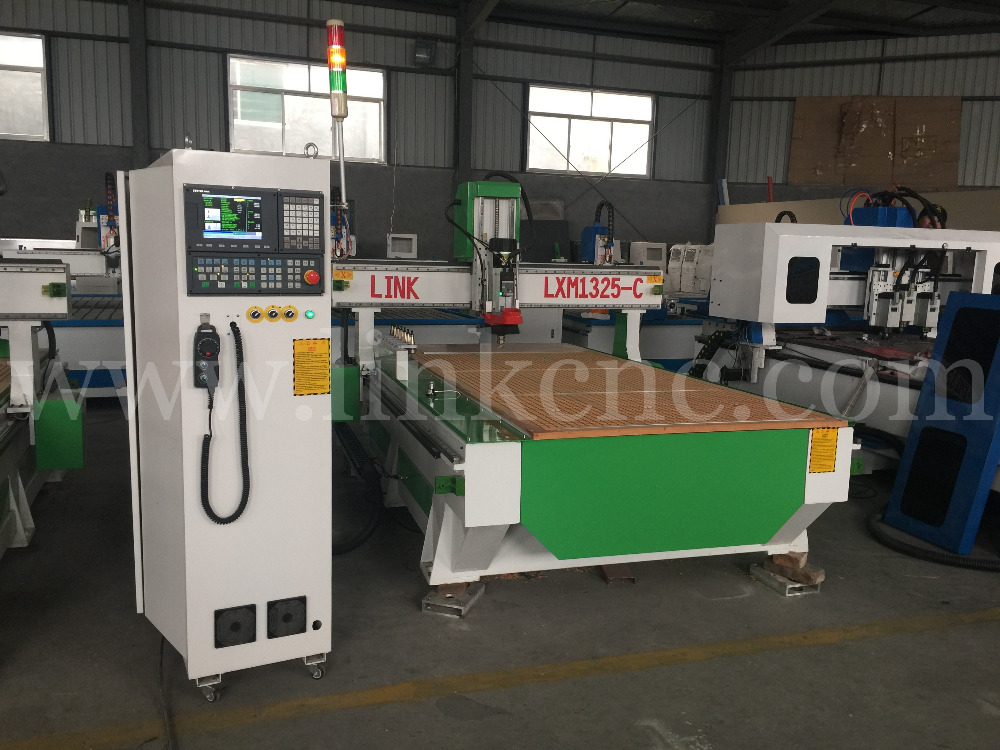 Jinan high quality dust collector woodworking cnc router 1300*2500 with vacuum table(China (Mainland))
