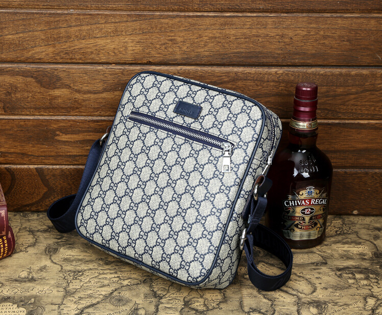 men messenger bags made by PU leather,fashion men messenger bags casual outdoor(China (Mainland))